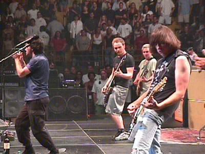 The Forum, Inglewood, USA 14.07.98 (Pearl Jam feat. Johnny Ramone)