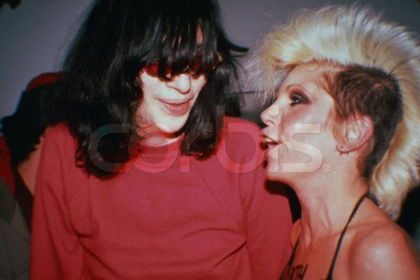 Joey Ramone & Wendy O. Williams (1983)