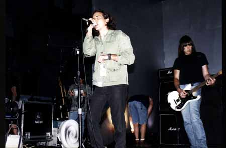 The Palace, Los Angeles, USA 06.08.96 (Eddie Vedder & Johnny Ramone)