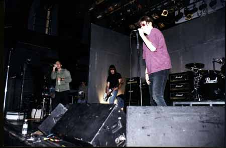 The Palace, Los Angeles, USA 06.08.96 (Eddie Vedder, Johnny Ramone, Joey Ramone)