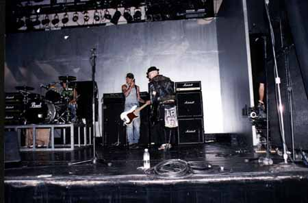 The Palace, Los Angeles, USA 06.08.96 (C.Jay Ramone & Tim Armstrong)
