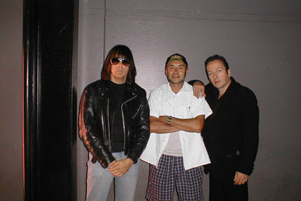 Whiskey A-Go-Go, Los Angeles, USA 2001 (Johnny Ramone, Arturo Vega, Joe Strummer)