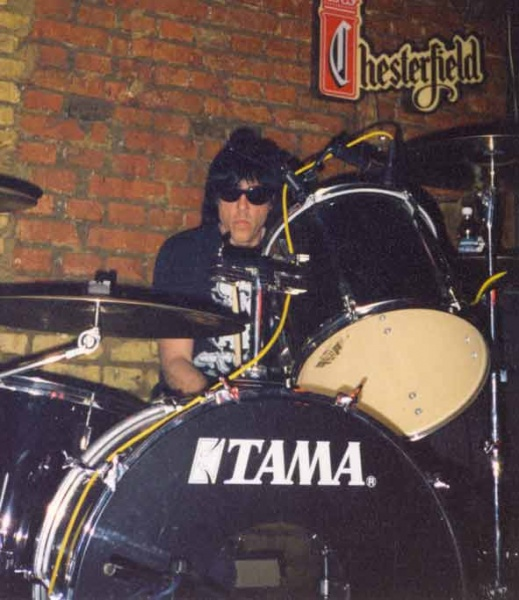 Marky Ramone & The Intruders - Svalka club, Moscow, Russia 19.05.00