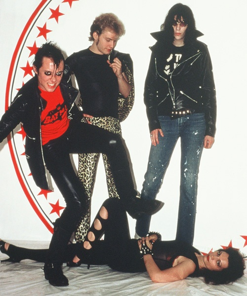 Jerry Only, George, Joey Ramone, Natasha