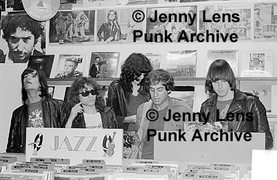Aquarius Records, San Francisco, USA 19-22.08.76 (Ramones & Danny Fields)
